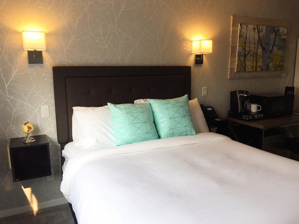 Queen Bed Room 2
