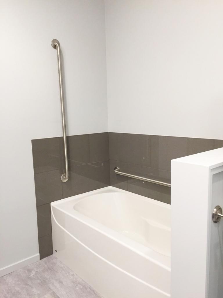 Family Room - Bathtub for kids