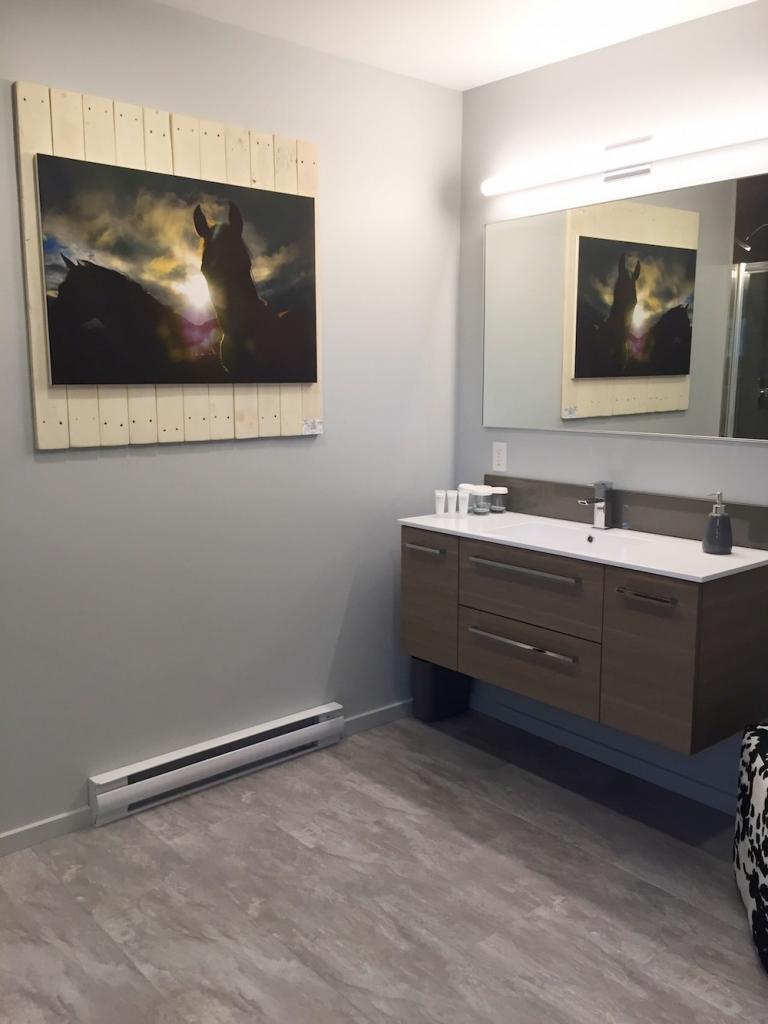 Room 6 - Large Bathroom